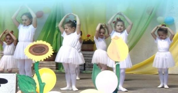Nabór uzupełniający do Dziecięcej Grupy Baletowej !
