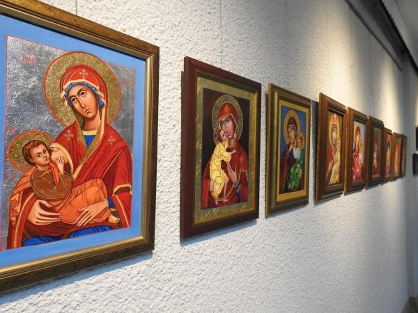 Wystawa ikon autorstwa Barbary Ruchały i Barbary Ptaszek