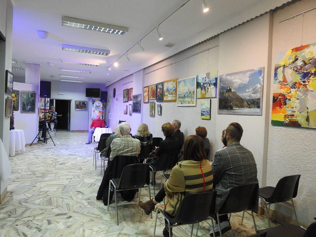 """Wernisaż wystawy malarstwa XXII Międzynarodowego Pleneru Malarsko-Rzeźbiarskiego """" Łańcut 2019"""""""